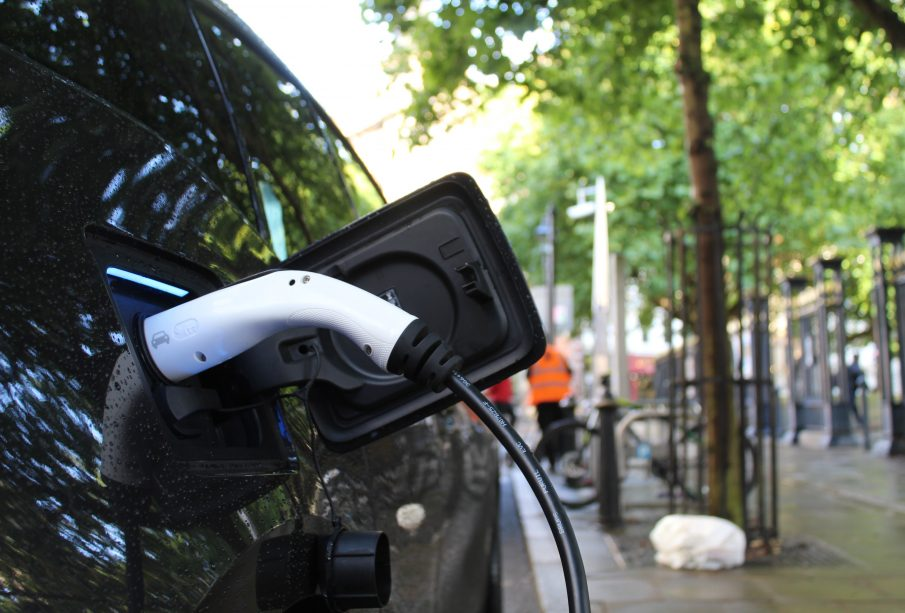 Charging electric vehicle